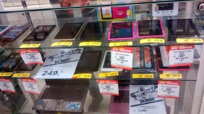 vitrine-tablets-ruins Celular esmaga a concorrência e é a plataforma mais popular do Brasil