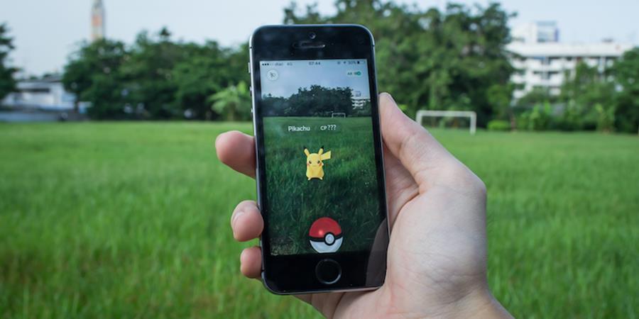 pokemon-go-iphone-mobilegamer Pokémon GO: Notícias BIZARRAS sobre o jogo podem ser falsas