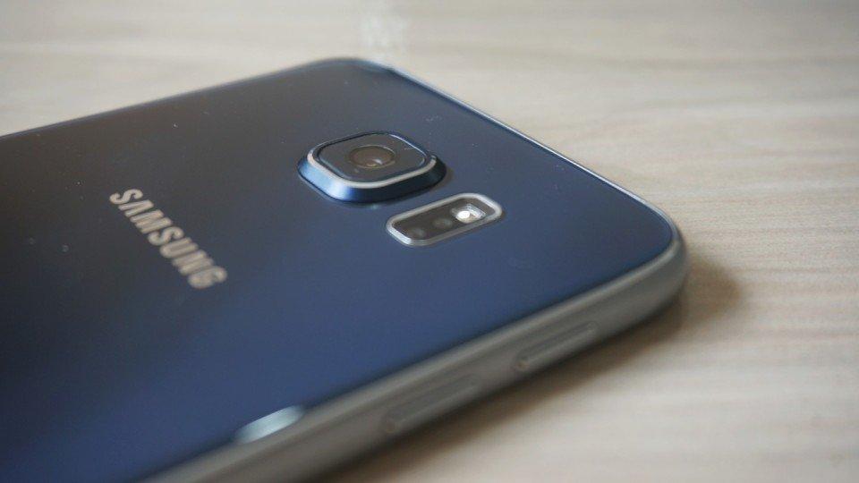 Detalhe-da-câmera-do-Galaxy-S6-960x540 Samsung vai entrar oficialmente no mercado de celulares usados