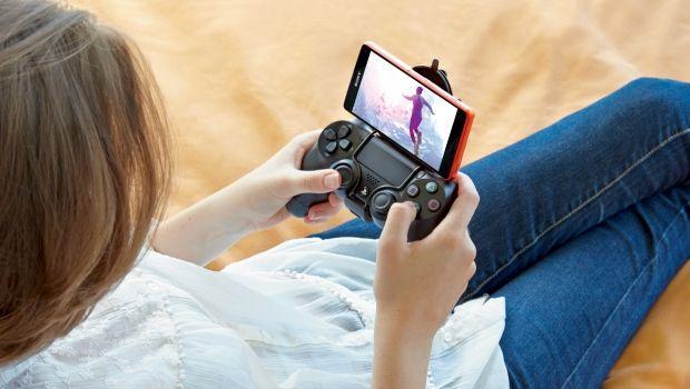 Sony Z3 Compact ainda é compatível com controles do Playstation 3 e 4.