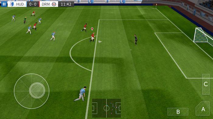 dream-league-soccer-2016-gameplay-android-ios Melhores Jogos de Celular de 2016 (Android, iOS Java e WP)