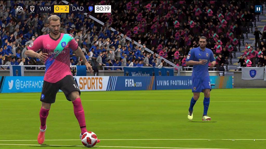 """fifa-19-mobile-android-iphone-4-1024x576 FIFA 19 Mobile melhora gráficos, mas continua sendo """"joguinho"""""""